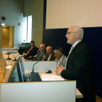 I panelen Bengt Lundgren, Karlis Neretnieks, Jörn Beckmann, Peter Nordbeck, Swen Persson och styresmannen i talarstolen.