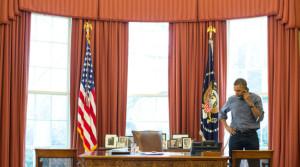 Obama talar med Putin 03-02