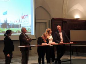 I panelen från vänster, Mats Bergquist, Hanna Cederin, Linda Nordlund och Michael Moore.