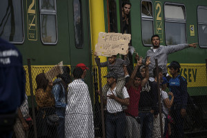Syrian refugees strike at the platform of Budapest Keleti railway station. Refugee crisis. Budapest, Hungary, Central Europe, 4 September 2015. Photo: Wikimedia Commons