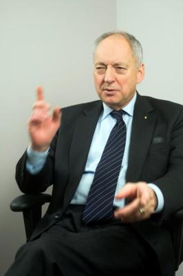 Professor Bo Huldt