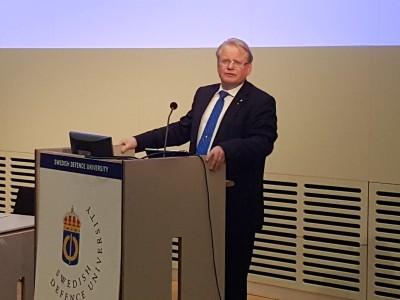 Försvarsministern. Foto David Bergman