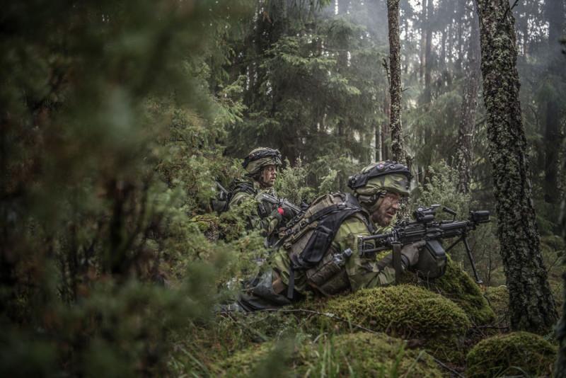 Fungerar det med värnpliktiga i krig? Lars Wedin anser inte det. Foto: Bezav Mahmod, Försvarsmakten.