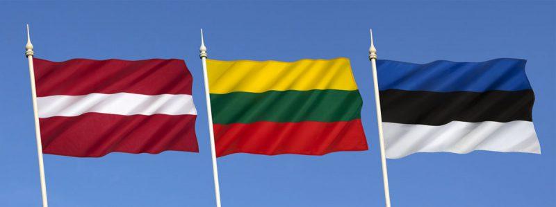 De baltiska staternas flaggor – Lettland, Litauen och Estland. Foto: Shutterstock.com