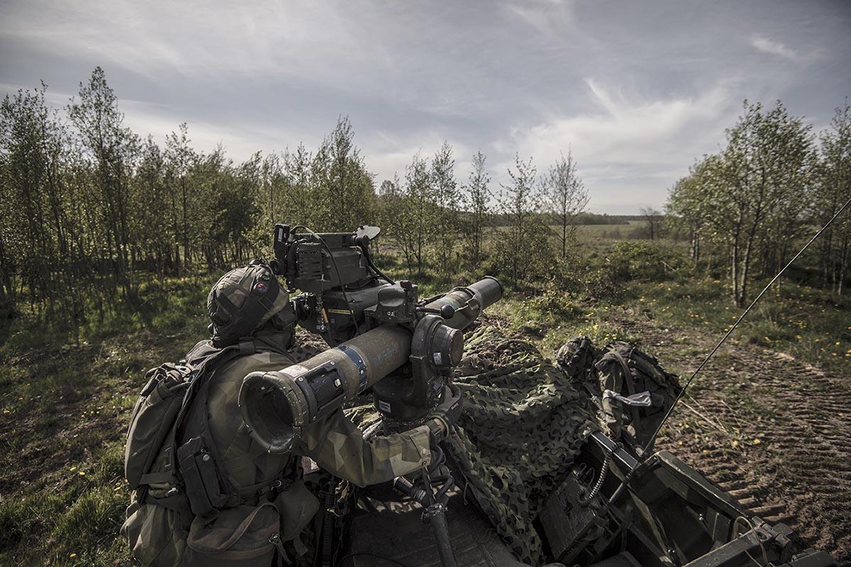Regionalförsvarsförbanden bör bl a ha god förmåga att bekämpa stridsfordon. Foto: Jimmy Croona, Försvarsmakten.
