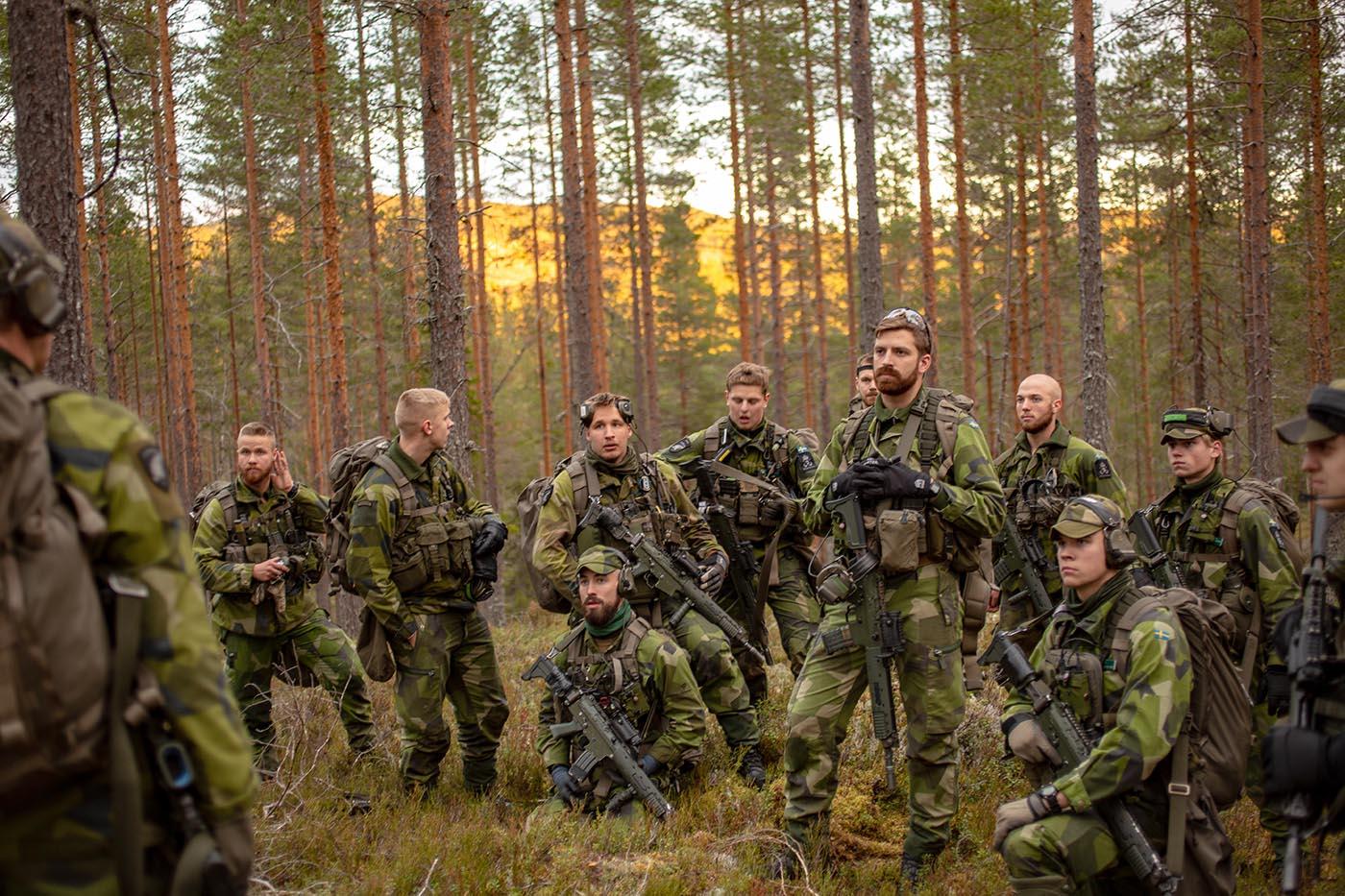 Målet med vår utbildning är bra krigsförband. Artikeln tar upp ett antal ledarskapsrelaterade men också organisationskulturella förutsättningar för detta. Foto: Marcus Nilsson, Försvarsmakten.