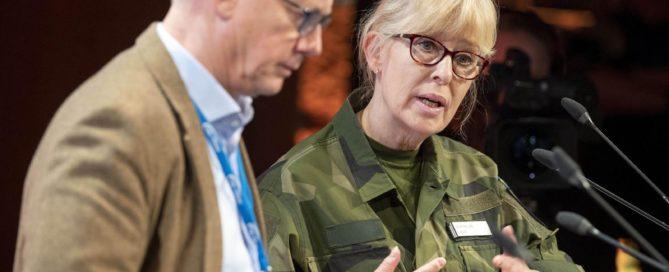 Säkerhetspolischef Klas Friberg och chef för MUST Lena Hallin. Foto: Ulf Palm.